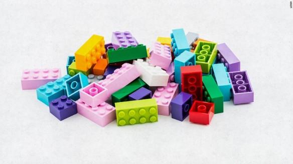 150623170455-legos-pile-780x439